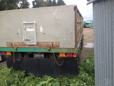 4AXLE TIP TRAILER 7.4M DECK