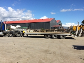 3 Axle semi low loader