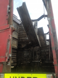 7.1m 2/3 DECK DAMAGED TRUCK CRATE