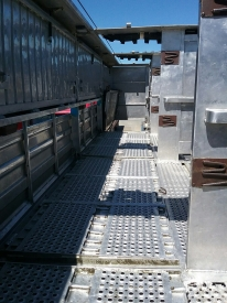 9.1m (30ft) LIVESTOCK TRAILER & 2/4 DECK CRATE