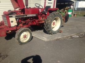 INTERNATIONAL 284 TRACTOR,MOWER,GRADER BALDE