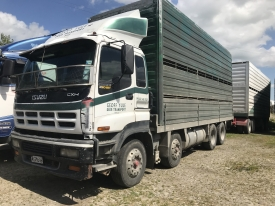 ISUZU CXH 450 COMPLETE WITH DECK AND 2 DECK DEER / CATTLE CRATE