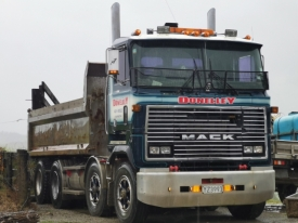 MH Mack tractor unit , tipper ,