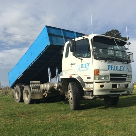 MITSUBISHI FIGHTER TIPPER & SILAGE BIN